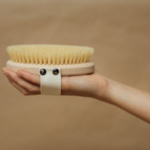 Cepillo corporal de madera y fibra de cactus