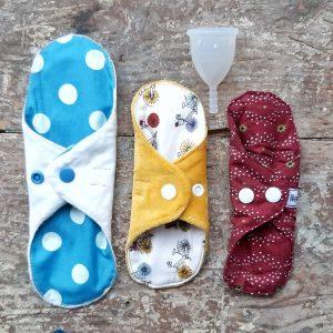 Lote Copa Menstrual y 3 compresas de tela tamaños variados