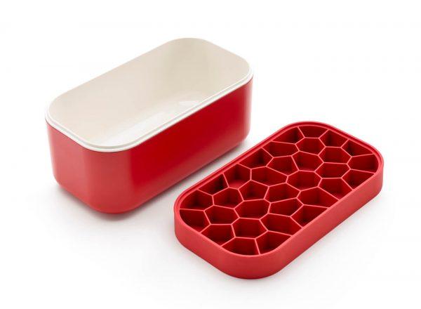 Fabricar, almacenar y servir hielo en tu cubitera