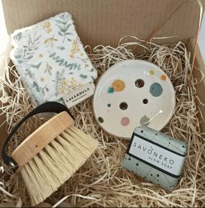 cestas de navidad conscientes rellenas de higiene eco